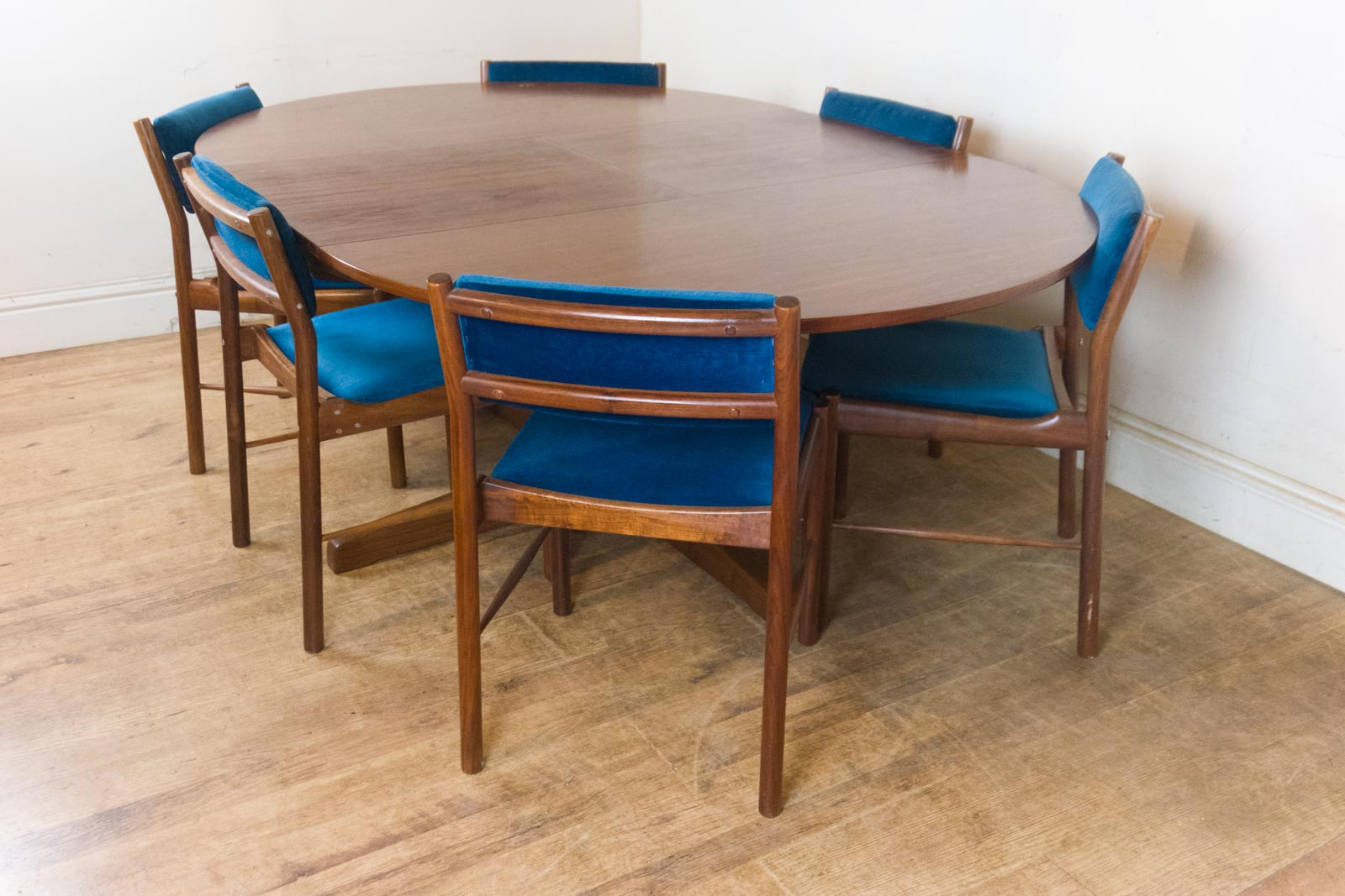 Bespoke Dining Tables And Chairs Dining Tables And  : HV160702 4 from honansantiques.com size 1600 x 1067 jpeg 208kB